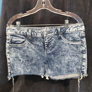 2.1 Denim shorts size women's 30 like new